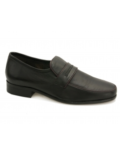 Chuck Black Leather Moccasins